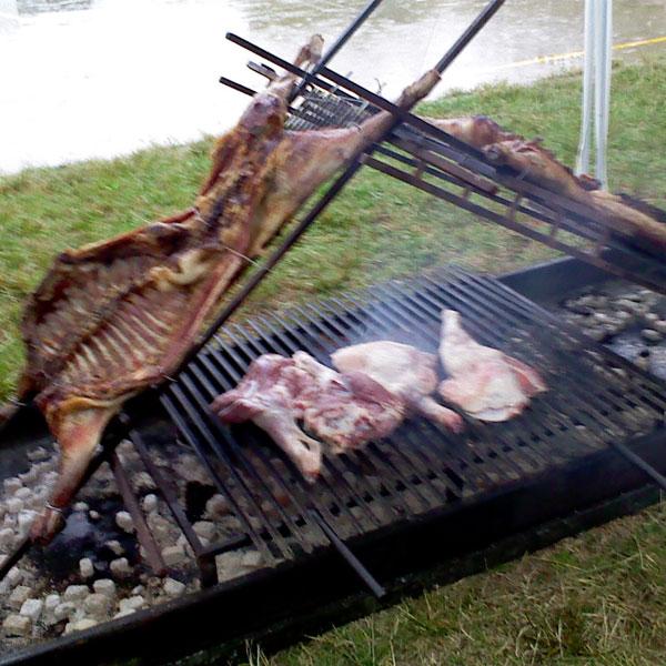 Catering cal tim cocina personalizada for Barbacoas argentinas precios